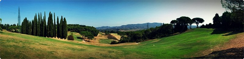 Golfing near the lakes of Garda, Maggiore and Como is an memorable experience, with the mellow hills, flat grounds and small clearings amidst trees.