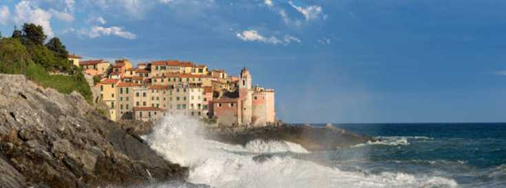 The fortified town of Lerici underwent numerous changes from the twelfth to the sixteenth century.