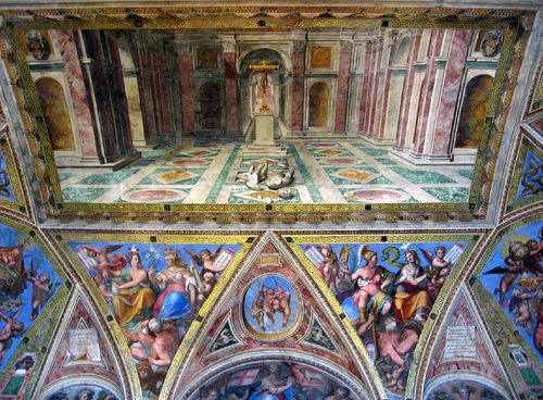 Four episodes of Constantine's life are painted on each of the walls of the room: the Vision of the Cross, The Donation of Rome, The Baptism of Constantine, and the Battle of Constantine against Maxentius.