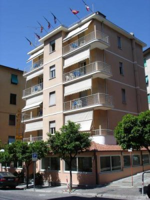 Located in a central but quiet and shady area, 150 m from the beach since 1990, Hotel del Golfo offers comfortable accommodations in Lerici. This 3-star establishment is family managed.